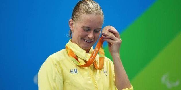Paralimpíada acrescenta guizos dentro de medalhas para dar experiência sensorial aos atletas com deficiência