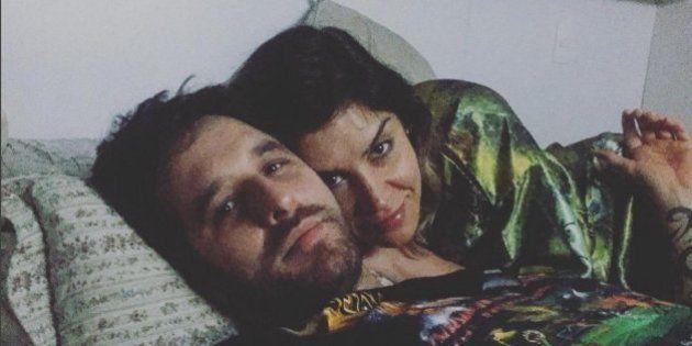 Rafinha Bastos rebate romantismo de Gregório Duvivier e dá sua versão de 'amor de