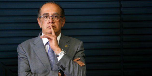 Juristas pedem impeachment de Gilmar Mendes por 'conduta parcial' em