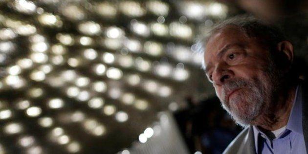 Lula ataca concursados e internet não deixa passar em