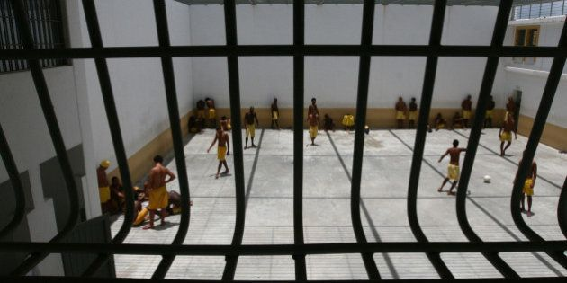 Ministro da Justiça José Eduardo Cardozo visita novas instalações da Penitenciária Lemos de BritoNa...