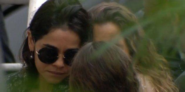 A dor do adeus: Familiares e amigos se despedem do ator Domingos