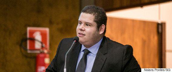 Secretário da Juventude fala sobre caos carcerário, feminicídio e nova carteirinha de