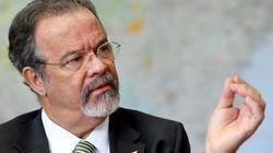 Ministro diz que solução para crise prisional é aumentar
