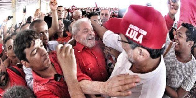 Lula defende eleições diretas e provoca Temer, Serra, Moro e ACM