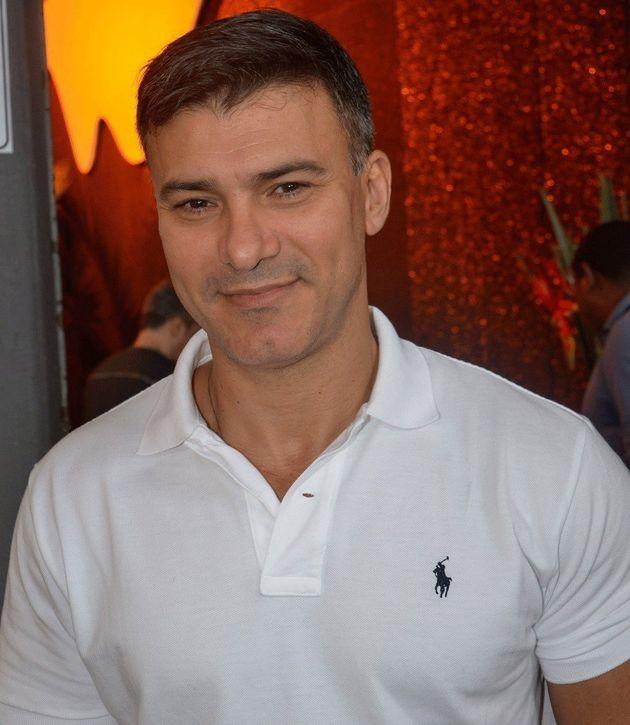 Leonardo Vieira fala de homofobia, família e inspirações nesta entrevista