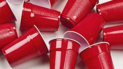 Pioneira! França proíbe venda de copos e pratos plásticos