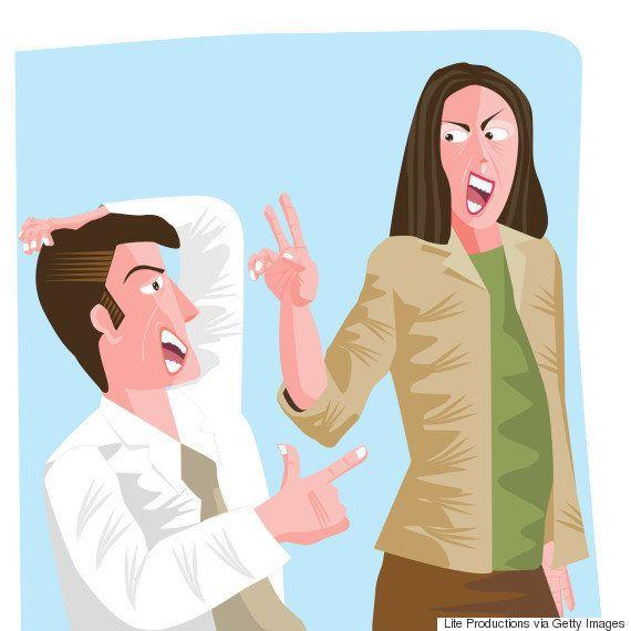 Brigar por causa de política no trabalho dá estresse e isola