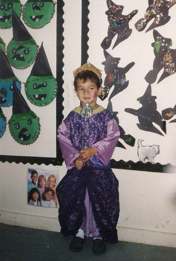 Este menino quis ser a 'menina do desfile'. E sua mãe escreveu um livro sobre
