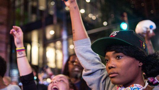 10 fotos dos protestos em Charlotte, nos EUA, que mostram a força de uma