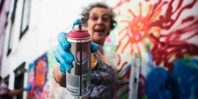 O projeto português que coloca idosos para grafitar as