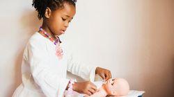 Apenas 3% das bonecas à venda em lojas virtuais no Brasil são negras, aponta
