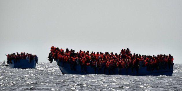 Drama: Mais de 6.000 refugiados são resgatados do mar da