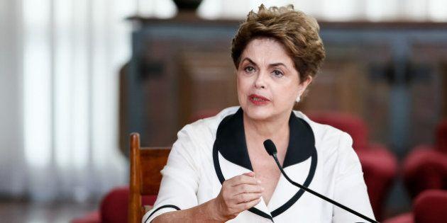 Dilma pede apoio à petição contra teto de gasto públicos: 'Não ao