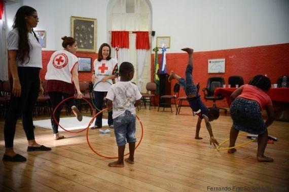 Filhos de refugiados ganham festa de Dia das Crianças na Cruz Vermelha do