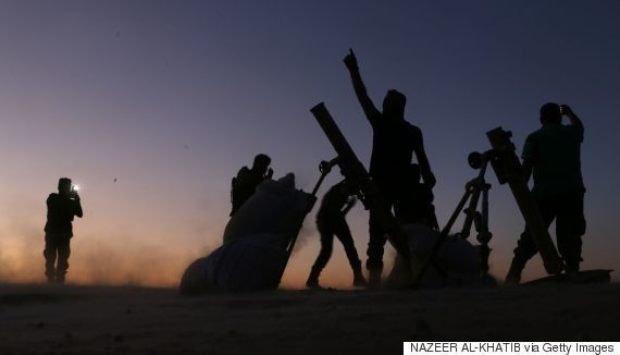 Rebeldes sírios tomam vila onde Estado Islâmico prometeu batalha