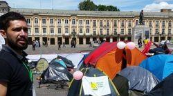 Jovens colombianos acampam em Bogotá para pedir acordo de paz com as