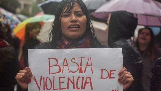Contra o feminicídio, mulheres tomam as ruas na América