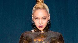 Psicodélica, em pé e deitada! Beyoncé ARRASA em show