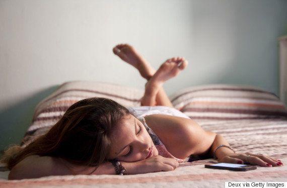 Estatísticas chocantes revelam que uma em cada quatro mulheres jovens já se