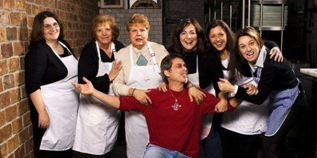 Este restaurante de NY teve a ideia genial de empregar vovós no lugar de chefs na