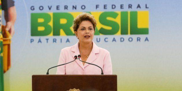 Indignação seletiva na Educação: Dilma cortou mais de R$ 11 bi, e ninguém ocupou