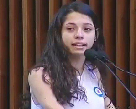 'Escola ideal é a que forma cidadãos preocupados com o País', diz Ana