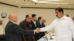 Pressionado por greve, Maduro se compromete a dialogar com