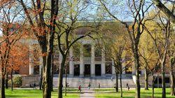 Harvard cancela temporada de futebol masculino devido a 'ranking' de