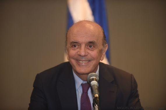 Farra nas passagens: Ministros de Temer usam avião da FAB sem