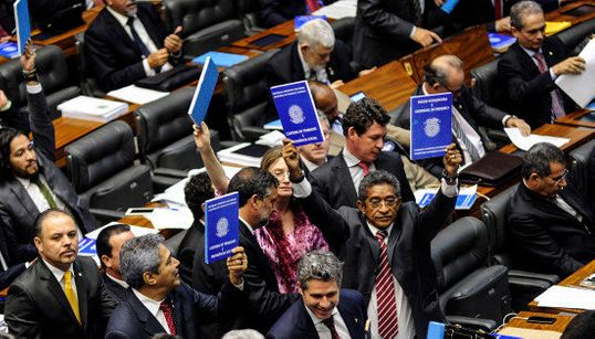 O Planalto não desistiu: A reforma trabalhista vem aí e será
