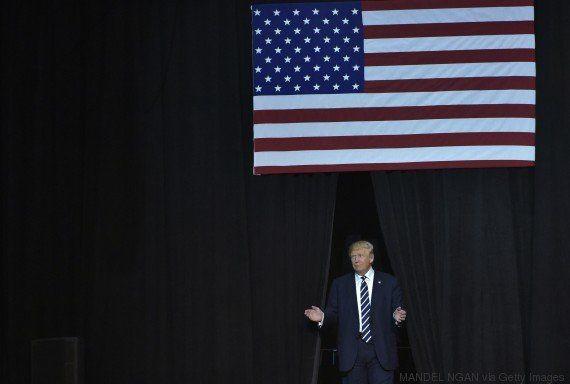 Para Stevie Wonder, votar em Trump é como pedir para que ele dirija um
