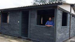 Este empreendedor constrói casas com o que você joga no
