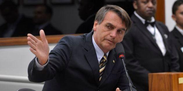 Ao se defender de 'apologia à tortura', Bolsonaro chama o coronel Ustra de 'herói'