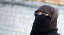 Mulher é multada em R$ 111 mil por usar niqab na