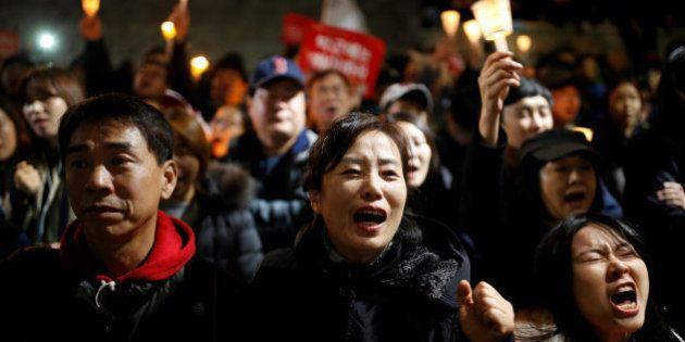 Pressão contra presidente da Coreia do Sul cresce com grande manifestação em