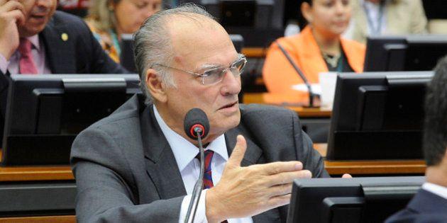 Roberto Freire confirma que é novo ministro da Cultura de Temer e pede transição com Marcelo