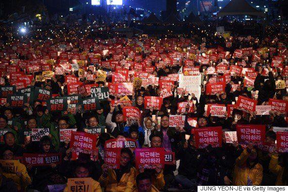 Pela quarta semana, milhares protestam em Seul por renúncia da presidente da Coreia do