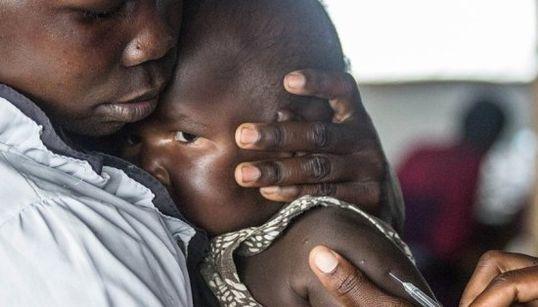 Crise humanitária: Refugiados do Sudão do Sul chegam a Uganda em níveis sem
