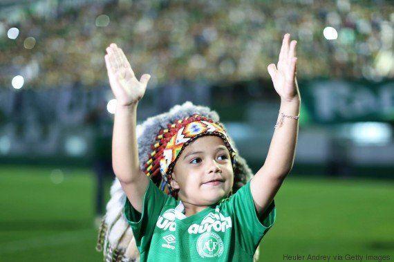 Chapecoense vai velar atletas no estádio. E o Atlético Nacional promete usar uniforme da