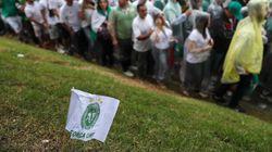 'Campeões para sempre': Chapecó e o Brasil se despedem de vítimas de acidente