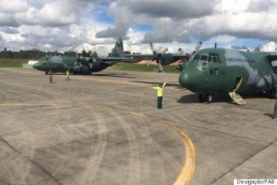 #ForçaChape: Corpos de vítimas de acidente aéreo são levados para o