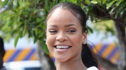 Quem nunca? Rihanna faz parada no meio da estrada para... comprar