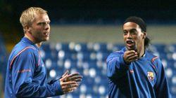 Ex-Barcelona, islandês se oferece para jogar pela Chape. E quer Ronaldinho com