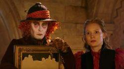 Alice, Chapeleiro Maluco e Rainha Vermelha estão de volta em 'Alice Através do