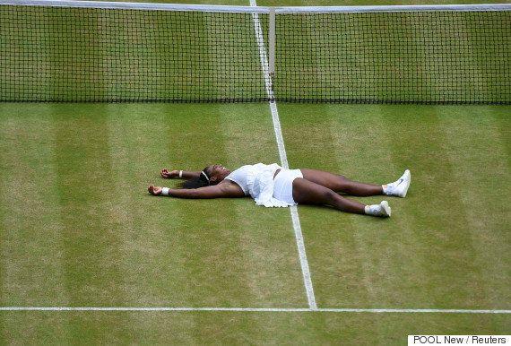 Serena Williams venceu sua irmã, Venus, em torneio de tênis. E fez uma homenagem linda a