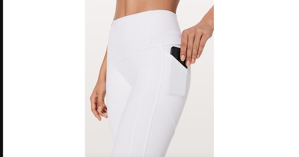 e907a4b398 13 Yoga Pants With Pockets That ll Make Your Workout SO Much Better ...