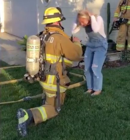 firefighter fakes blaze at house so he can propose to girlfriend