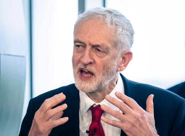영국 노동당 제러미 코빈이 처음으로 브렉시트 연기 가능성을