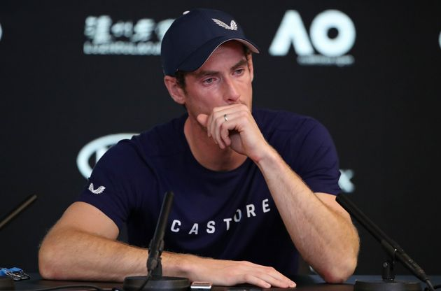 테니스 스타 앤디 머레이가 은퇴를 시사하며 눈물을